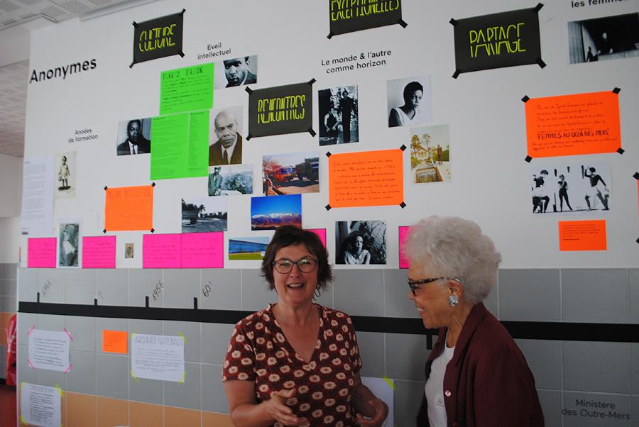 De droite à gauche : l'enseignante Véronique Servat et la présidente de FAM Gisèle Bourquin.